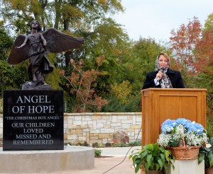 Lisa Johnson sharing a message of hope.